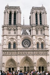 (Tori Taylor) Tags: paris 35mm france city canon t50 film photography colour architecture notredame church cathedral notre dame cathdrale ile de la cit summer road tirp trip europe people arches brick gothic middle ages antiquity beautiful