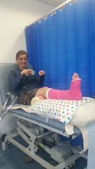 bozm_CLANnEjXAAA0FG9 (cb_777a) Tags: broken leg ankle foot cast crutches toes poland