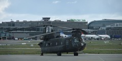 U.S Army Chinook CH-47D Dublin Airport Visit May 2011 (gallftree008) Tags: dublin usa history army airport aircraft may historic helicopter helicopters chinook dap dublinairport 2011