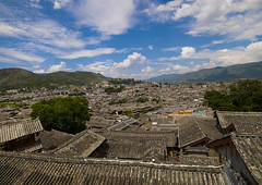 Roof Tops Of Old Town, Lijiang, Yunnan Province, China (Eric Lafforgue) Tags: china city travel roof color colour history nature horizontal architecture outdoors photography town asia day rooftops outdoor tranquility nobody nopeople unescoworldheritagesite series mansion copyspace yunnan oldtown idyllic lijiang buildingfront traditionalculture eastasia chineseculture colorimage buildingexterior colorpicture yunnanprovince highangleview traveldestination elevatedview builtstructure dayantown traditionallychinese shangrilacounty a0007649