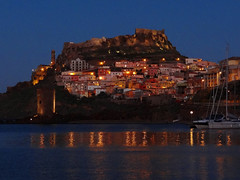 CASTELSARDO BY NIGHT.. (anton) Tags: sardegna panorama mare luci riflessi notturno castelsardo anton worldwidelandscapes angolidisardegna rememberthatmomentlevel1 rememberthatmomentlevel2