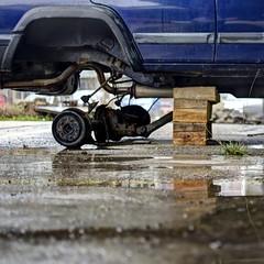(Erik Janssen - street photography) Tags: auto street car support voiture breakdown rue straat panne kapot ondersteunen soutenir