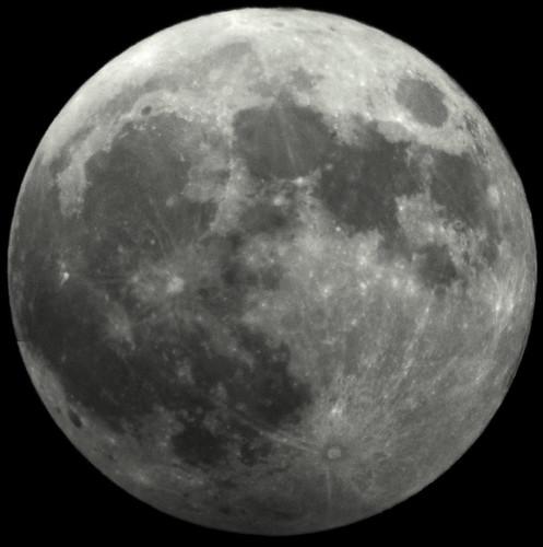 Full Moon by daniel_alexan80, on Flickr