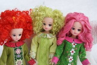 The reroot girls showing off their new dresses! (All these fit Blythe.They are actually on Blythe bodies.  ; )