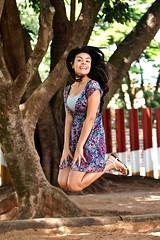 Ensaio fotográfico - Modelo: Anna Caroline (Guto_Vilaça) Tags: portrait jump retrato olympus 18 zuiko 45mm