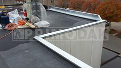 Dakdekker: Plat dak die eerder is voorzien van isolatie en twee lagen bitumen dakbedekking is afgewerkt met een daklijst. Deze zinken daklijst 0.8 dik is vastgezet met klangen 1.0 dik, overgangsnaden gesoldeerd