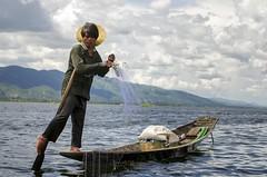 Inle Lake, Burma. (fdecastrob) Tags: inle lake fisherman