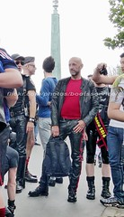 bootsservice 16 470223 (bootsservice) Tags: paris leather orlando uniform boots rubber des bottes motos uniforme motorcyclists cuir motards caoutchouc motorbiker pride gay marche fierts