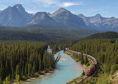 The Most Beautiful Curve of them All. (elevation-media) Tags: canadianpacific canadianpacificrailway cprail cpr morants curve morantscurve lake louise lakelouise alberta ab parks canada