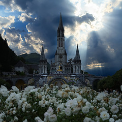 The Miracle of Lourdes (Frank ) Tags: lourdes france lsp church bernadette holywater well cave europe