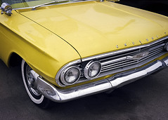 Yellow (engjoneer) Tags: canonetgiiiql17 ektar100 film