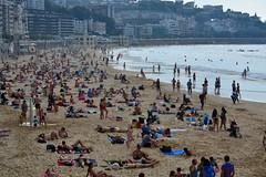 Udako giroa. (eitb.eus) Tags: eitbcom 3108 g1 tiemponaturaleza tiempon2016 playa gipuzkoa donostiasansebastian txominrezolaclemente
