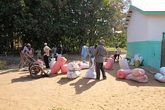 GUINEE Sabadou Baranama 2012 13 (Aide Mdicale et Dveloppement France) Tags: france grenoble guinea amd bel soja upa farine ong ngo aviva malnutrition guine sgbg pdiatrie nonnobis enrichie sabadou misola baranama