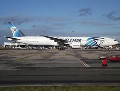 SU-GDO, Boeing 777-36N(ER), 38289/907, Egyptair, CDG/LFPG, 12/2012 (AlainDurand) Tags: jets ms boeing airlines 777 airliners cdg msy boeing777 boeing777300 jetliners egyptair 777300 lfpg worldairlines 77736ner airlinesoftheworld alaindurand parisroissycharlesdegaulle airlinesofafrica sugdo airlinesofegypt 38289907 msn38289 cn907