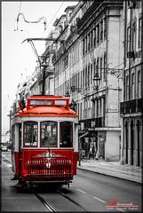 Lisbon Tram (_Hadock_) Tags: bridge windows wallpaper bw white black verde blanco apple portugal rio train river out de tren puente golden nikon gate san francisco ipod y pareja cut 5 lisboa lisbon background pair 4 negro abril creative 7 8 tram commons mini screen bn full seven 25 xp april vista hd ocho tamron 18200 eight fondo pantalla siete iphone saver ipad walpaper erd d80 comons