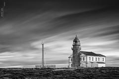 El Faru Pees (Roberto Graa) Tags: bw lighthouse landscape faro cabo asturias paisaje bn le peas