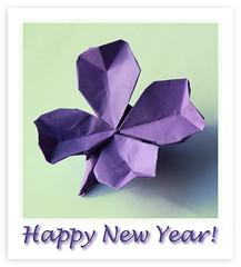 Viel Glck im neuen Jahr! (steffi's) Tags: paper origami or craft folded papel clover fourleafclover handicrafts papier carta happynewyear papercraft   kleeblatt  falten   origamifourleafclover origamiglcksklee