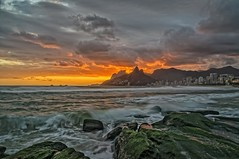 Arpoador Sunset IV (Daniel Schwabe) Tags: ocean longexposure sunset sea brazil beach brasil riodejaneiro landscape rocks waves le ipanema arpoador bestcapturesaoi elitegalleryaoi