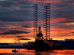 Visitors to the Firth (ccgd) Tags: cromarty firth scotland highlands rig sunset gloaming
