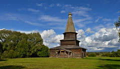 Frozen In Time (L.Lahtinen (nature photography)) Tags: flickrfriday frozenintime church nikond3200 kirkko landscape maisema countryside sky clouds puukirkko woodenarchitecture oldwoodenchurch country larissadatsha ancientchurch travel historicmonument vitoslavitsy europe