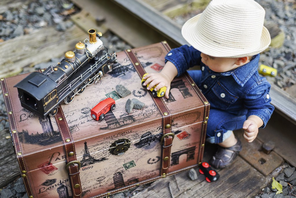 7beb36179f1 (irina kra) Tags  baby boy burberry summer suitcase railroad sweet cute  1yearold small cake