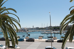 Bari - Jachthafen (CocoChantre) Tags: altstadt auto bari baum boot jachthafen landschaft pkw palme pflanze schiff seefahrt segelboot strasenverkehr verkehr puglia italien it