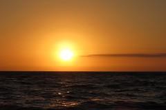 Coucher de soleil sur l'Atlantique (morganelafond) Tags: soleil mer sea sunset coucher de paysage ciel