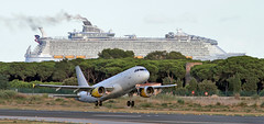 Vueling or shipping (vic_206) Tags: bcn lebl vueling transatlantico mar sea takeoff despegando harmonyoftheseas ecmgeairbus a320232 ecmge airbusa320232