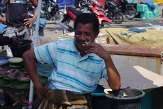 Market, Ende, Flores Island, Indonesia (ARNAUD_Z_VOYAGE) Tags: ende flores island indonesia moni landscape boat sea southeast asia people nature amazing color mountain massif volcano sunrise town street market east nusa tenggara province