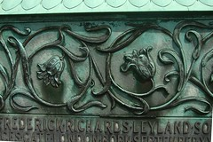 Brompton Cemetery, London (j a thorpe) Tags: london brompton cemetery burnejones preraphaelite detalhesemferro grave tomb