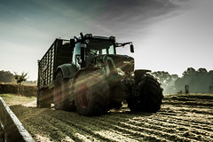 Erntezeit!! (Fotos aus OWL) Tags: biogas traktor fendt ernte silage silo mais