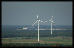 Schlechte Aussicht (SurfacePics) Tags: venne schwagstorf ostercappeln altkreiswittlage landkreisosnabrck lkos niedersachsen lowersaxony deutschland germany europa landschaft landscape amazing outdoor natur nature surfacepics september photo photography foto sonyalpha77ii windrad windpark windmill windkraft windkraftanlage windfarm windenergie umweltzerstrung wald feld rieste niedersachsenpark adidas kalkriese aussichtsturm aussicht farview