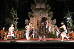 D20160827_1037 (bizzo_65) Tags: indonesia asia bali barong kris dance sunda upasunda danza