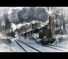 The Polar Express (Photofreaks) Tags: street schnee winter snow streets nature germany deutschland landscapes essen scenery december district natur eisenbahn railway steam polarexpress dezember ruhr ruhrgebiet 2012 landschaften ruhrpott strassen baldeneysee strasen hespertalbahn bestcapturesaoi elitegalleryaoi adengs wwwphotofreaksws shopphotofreaksws