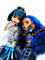 Blue VS Green? (nonaptime) Tags: monster high ooak steam cleo rule denile recolor ghouls repaint robecca