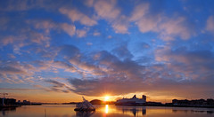 Hello and goodbye: Norwegian sunset version (RobertCross1) Tags: sunset panorama oslo norway clouds norge europe ship olympus nubes scandinavia sunray omd puestadelsol m43 oslooperahouse microfourthirds 20mmf17panasonic