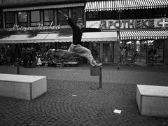 Jump! (Marco Mayer) Tags: street people deutschland frankfurt ricoh frankfurtammain