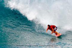 Racing ahead of the wave at Ehukai Beach Park on North Shore of O'ahu, Hawai'i (williamzhang.com) Tags: travel sky usa tourism beach clouds island hawaii polynesia sand surf waves unitedstates oahu surfer scenic aquamarine surfing pacificocean surfboard coastline ehukaibeachpark