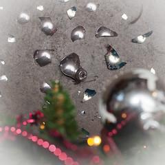 Broken (glukorizon) Tags: christmas floor bokeh christmastree shard kerstmis vloer kerstboom scattered christmasball odc scherf kerstbal christmasbauble odc2 ourdailychallenge