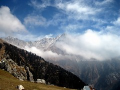 Dhauladhar and Clouds (Triund Baba ) Tags: mountains clouds shiva triund dhauladhar savebeautifulearth triundhill kunalpathridevi