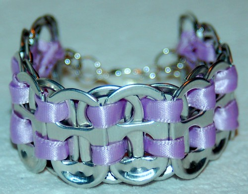 HAND CRAFTED SODA TAB BRACELET LAVENDER RIBBON & SILVER PLATED LOBSTER CLASP