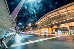 There's a full moon up there, somewhere! (Derek Midgley) Tags: dsc9210 superwideangle longexposure fullmoon southerncrossstation melbourne evening night