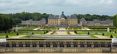 J77A6455 -- Vaux-le-Vicomte seen from the garden (Nils Axel Braathen) Tags: vauxlevicomte chateau france palace brie architecture