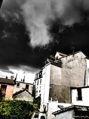rg d jullt (Nada_and_Co) Tags: orange ciel noir appartement rve vie