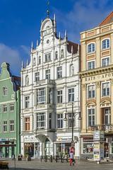 Commercial Building (dietmar-schwanitz) Tags: rostock mecklenburgvorpommern germany deutschland neuermarktaltstadtoldtowncommercialbuildinggeschftshausbpbrandenburgpreusnikond750nikonafsnikkor24120mmf4 0ged architektur architecture lightroom dietmarschwanitz