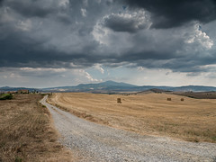 Rising storm in Valdorcia (Di_Chap) Tags: strom italie summer tuscany italy valdorcia