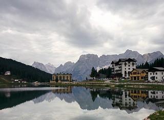 Misurina lake,  Italy   #italy #ig_italy #discoveritaly #traveltoitaly #exploreitaly #awesome_italy #misurina #welltraveled #awesome_earthpix #wonderful_places #exploretheglobe #beautifuldestinations #vscogoodshot #instatravel #traveltoitaly #italy_ig #th