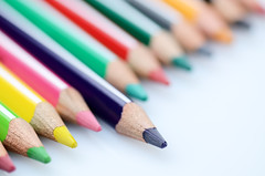 Primus inter pares (ciccioetneo) Tags: pencils school stilllife strobist ciccioetneo nikond7000 nikon105mmf28 matite matitecolorate closeup diagonal dof bokeh shallowdof