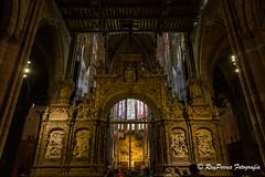 Interior de la Catedral de Santa Maria de la Regla de Leon, Castilla y Leon, Espaa. (RAYPORRES) Tags: catedraldeleon catedraldesantamariadelaregla leon termas interior agosto 2016 cripaarquelogicapuertaobispo espaa castillayleon