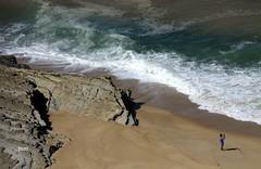 Pescador na praia!! (puri_) Tags: praia gua ondas espuma areia rochas pescador cana picmonkey